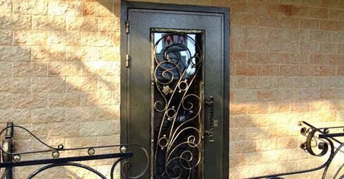 Двери с ковкой в Кубинке