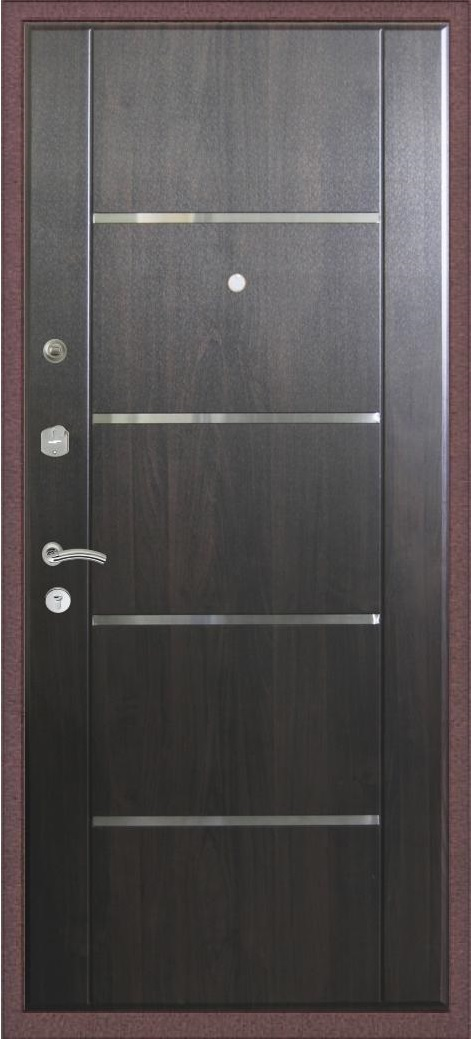 Двери с молдингом