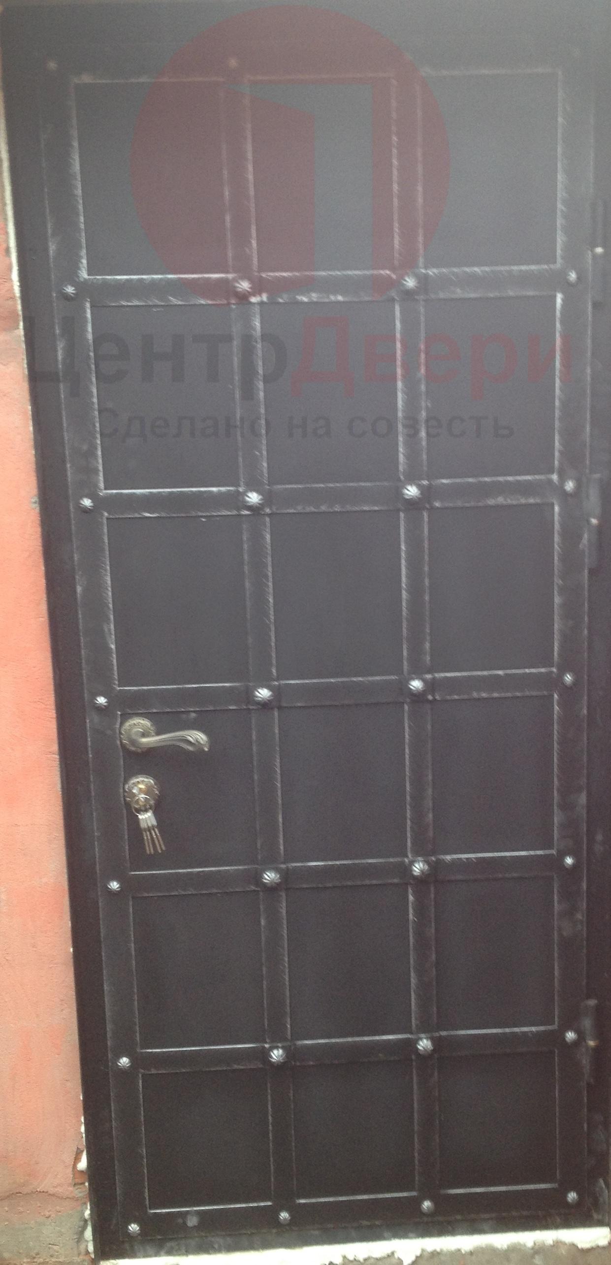 Стальная дверь с ковкой К10