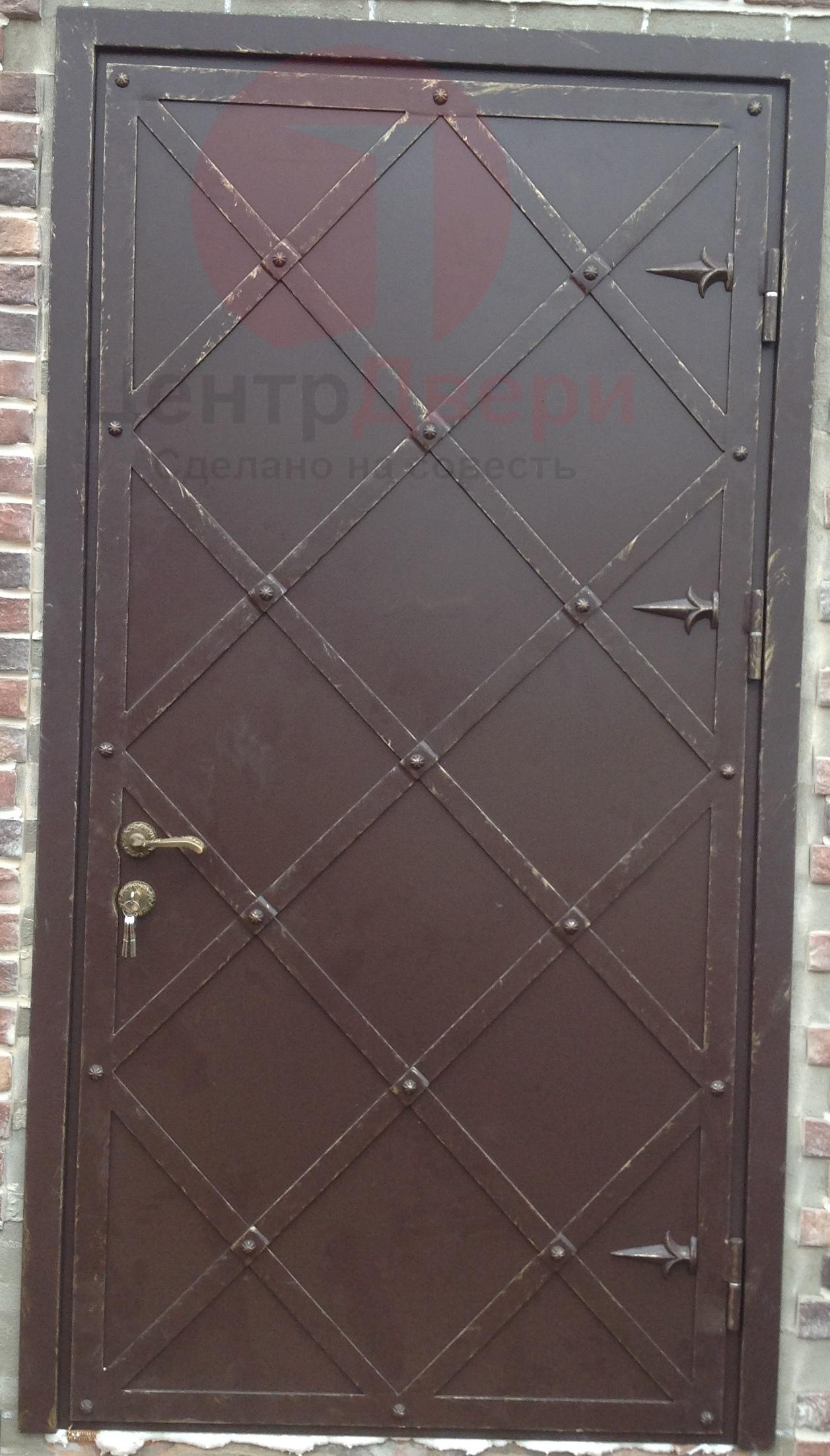 Стальная дверь с ковкой К11